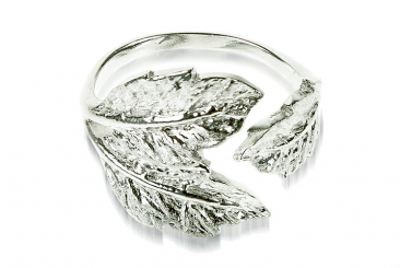 Ring 16 - Green Leaves