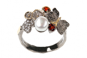 Ring 17 - Red Leaves